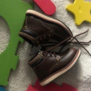 🌟New Brown Eddie Bauer boots/ toddler 8